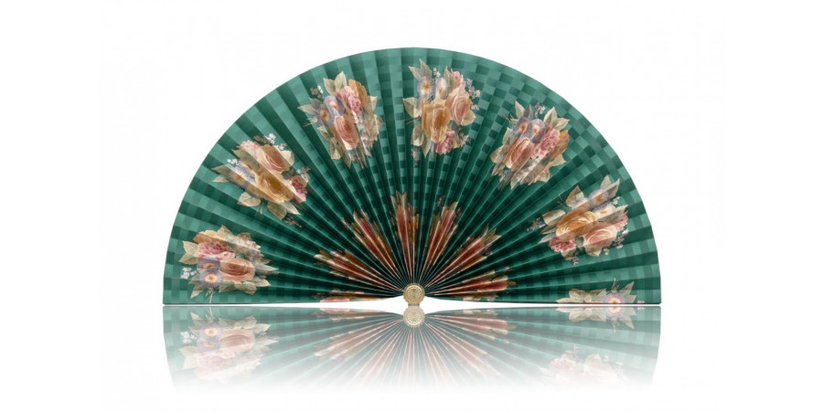 L306 Pleated Decorative Fan