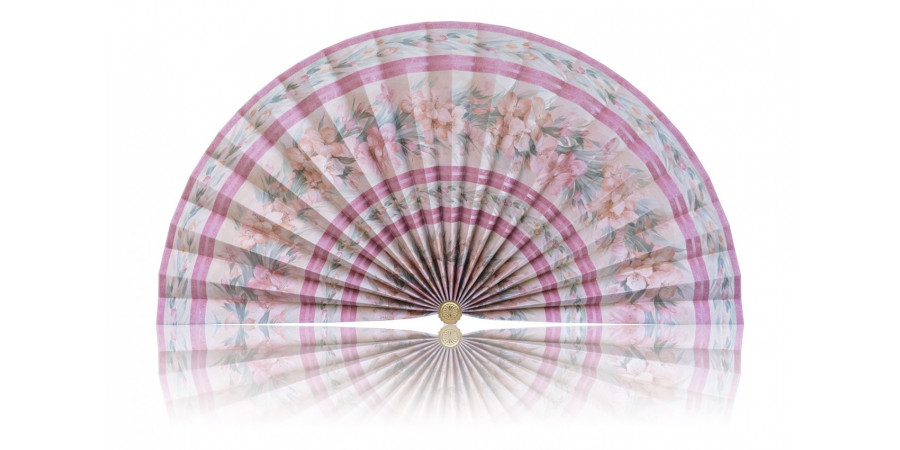 L477 Pleated Decorative Fan Clearance